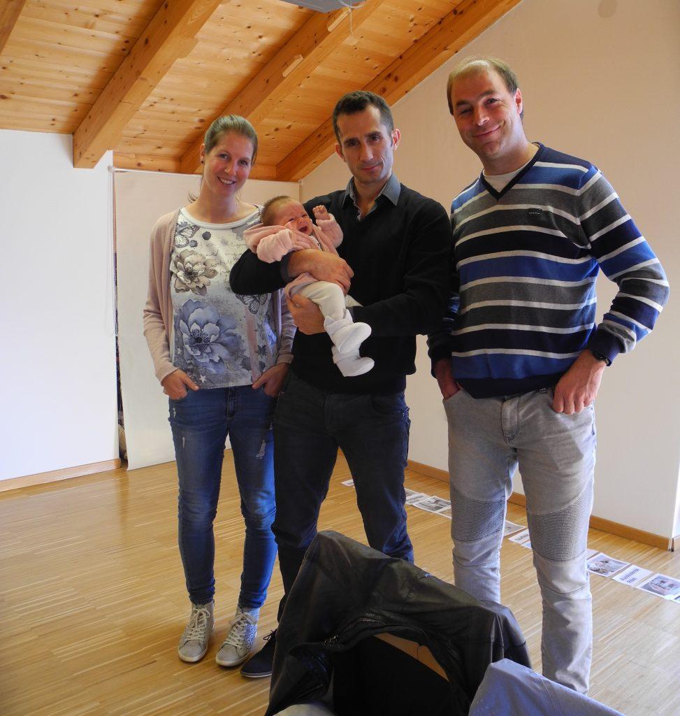 Evelyn und Alessandro mit Amelia Iria und Pate Thomas